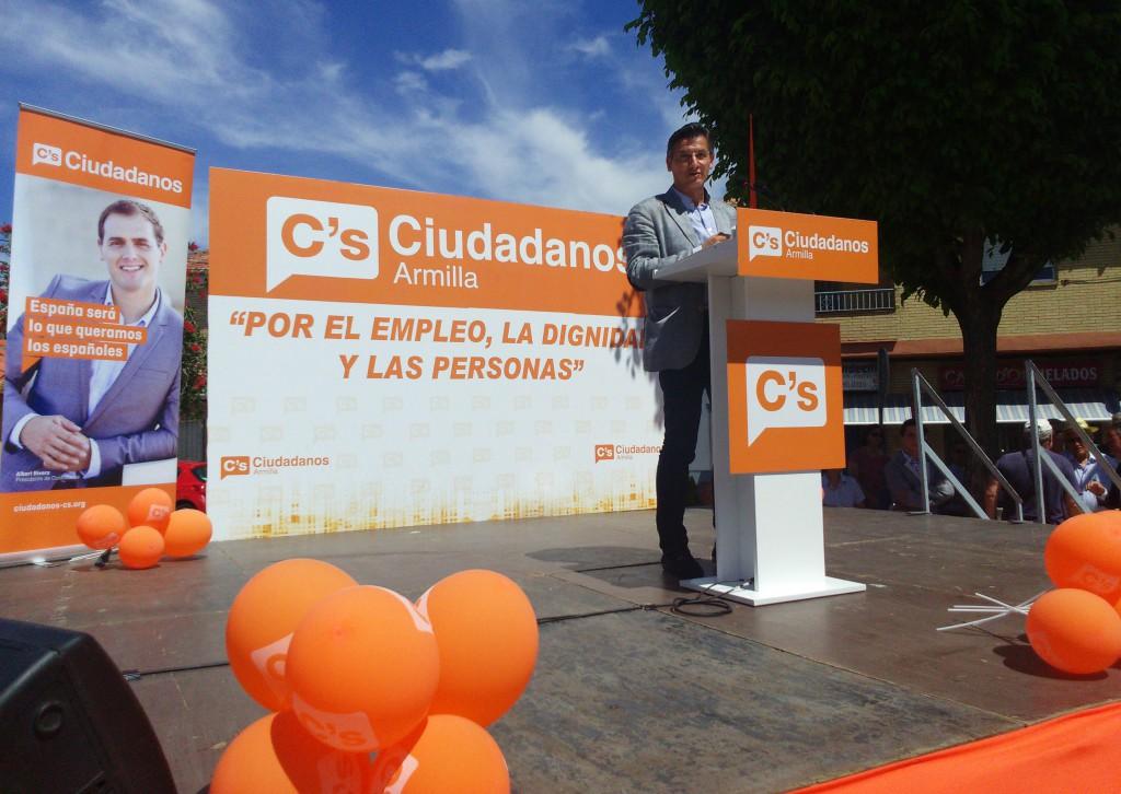 Luis Salvador, durante su intervención en el acto de Armilla coincidiendo con el Día del Trabajo