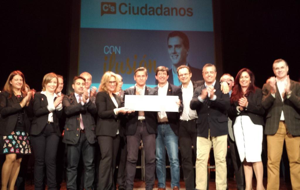 Juan Marín y Luis Salvador, junto al resto de la candidatura de Granada