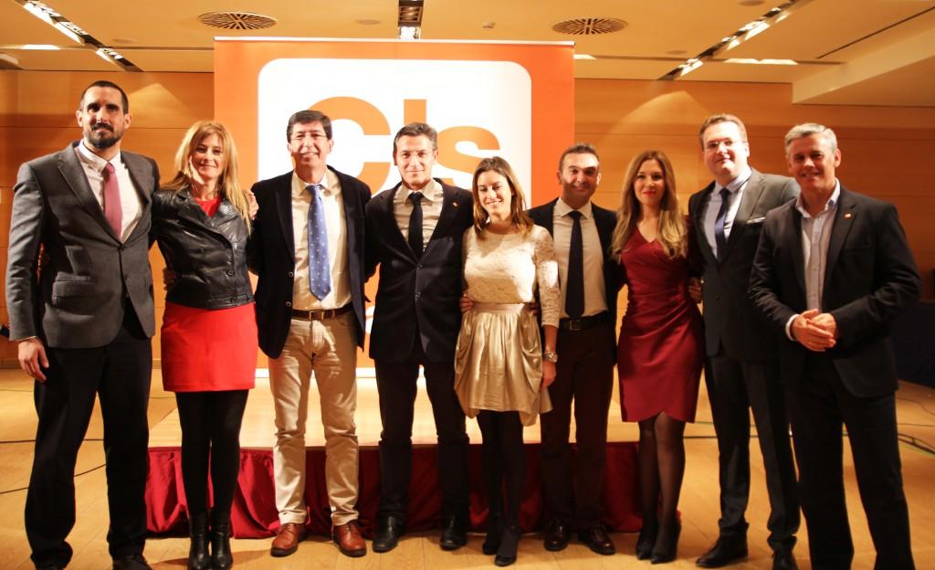 Los ocho cabezas de lista del Congreso de los Diputados por Andalucía junto a Juan Marín