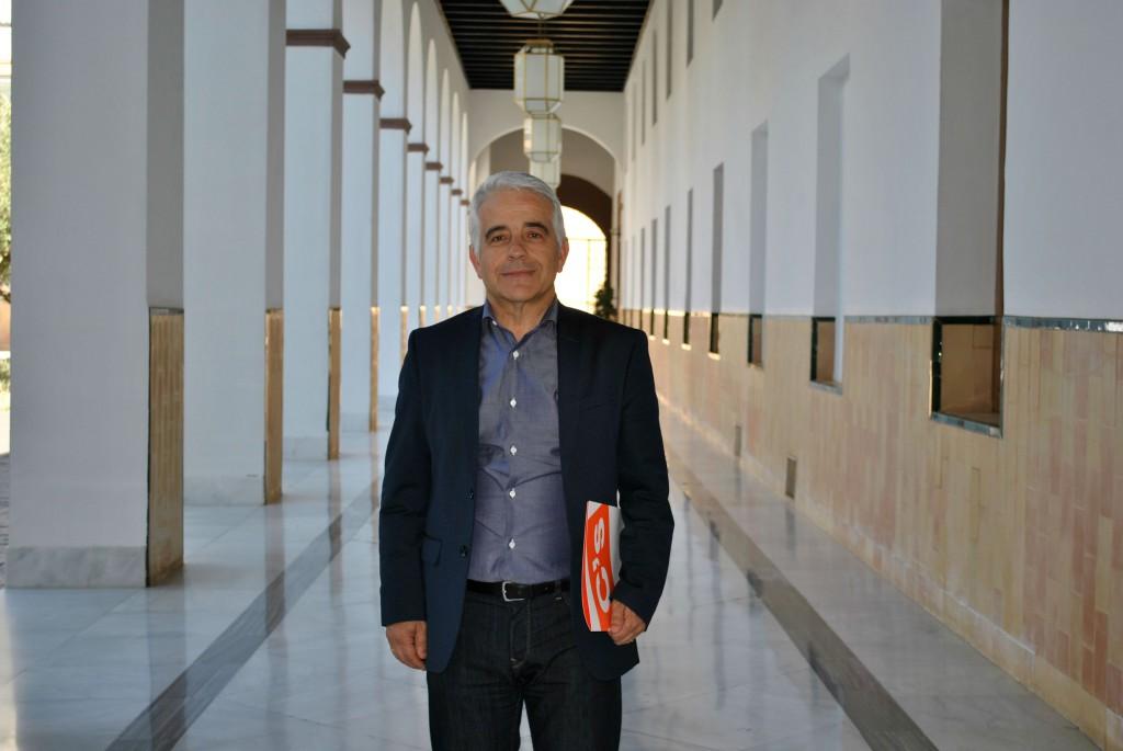 El-parlamentario-granadino-José-Antonio-Funes-1024x685