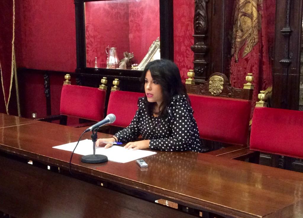 la-concejal-lorena-rodriguez-en-rueda-de-prensa