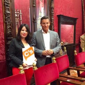 Ciudadanos promueve mejorar la calidad democrática del Ayuntamiento