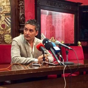 """Manuel Olivares: """"Es dramático que el Ayuntamiento pretenda obligar a los granadinos a apretarse más el cinturón mientras él no está dispuesto a apretarse el suyo"""""""