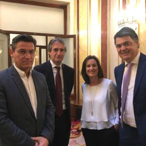 Luis Salvador aborda junto al ministro de Fomento la necesidad de corregir la situación actual de la línea marítima Motril-Melilla