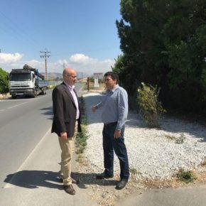 Ciudadanos reivindica una acera o zona habilitada para peatones en el margen de la carretera GR-3304 que cruza Vegas del Genil