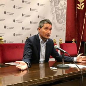 """Manuel Olivares: """"La política de gastos creciente y sin eficiencia del PSOE está obligando a los granadinos, con sus sueldos, a rescatar al Ayuntamiento permanentemente"""""""