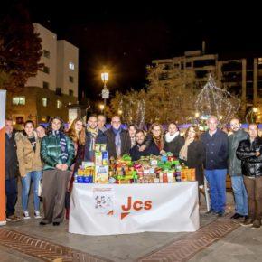 Gran muestra de solidaridad en la recogida de alimentos y juguetes de los Jóvenes Cs