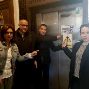 Ciudadanos denuncia los más de siete meses que el equipo de gobierno lleva obstaculizando el acceso al Ayuntamiento a las personas con discapacidad