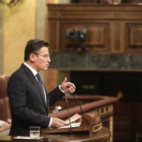 Luis Salvador demanda información al Gobierno sobre las actuaciones previstas para este año para mejorar el servicio que el Aeropuerto de Granada presta a sus usuarios