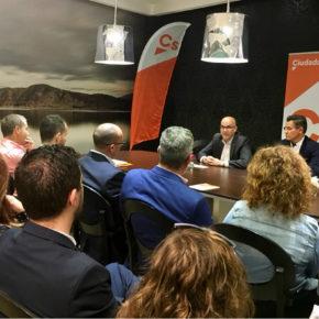Luis Salvador demanda mejoras en las infraestructuras hídricas de las comarcas de Baza y Huéscar para un máximo aprovechamiento del agua