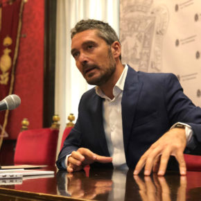 """Manuel Olivares critica el """"freno"""" que el PSOE está siendo para que Granada avance en emprendimiento, transparencia y smart city"""