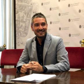 """Manuel Olivares: """"O cambiamos inmediatamente esta gestión municipal basada en el despilfarro o vamos abocados a estar a la cola de Andalucía"""""""