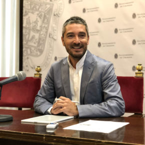 """Manuel Olivares: """"El bipartidismo lleva más años preocupado por mantener a la Alhambra en el centro de sus disputas que por escuchar sus necesidades"""""""