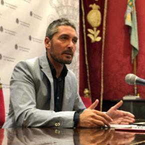 """Manuel Olivares censura que Paco Cuenca """"actúe de juez"""" y se atenúe las penas de malversación, usurpación y prevaricación por las que está investigado"""