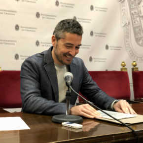 """Manuel Olivares: """"Granada no puede ser el desguace al que vayan a parar los autobuses viejos que otras capitales no quieren"""""""