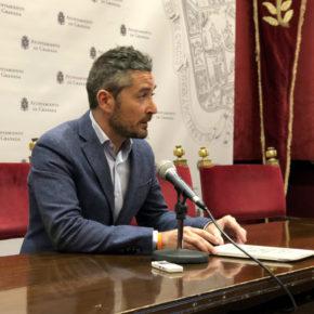 """Manuel Olivares: """"Los caprichos en movilidad de Paco Cuenca han costado más de cuatro millones de euros a los granadinos"""""""