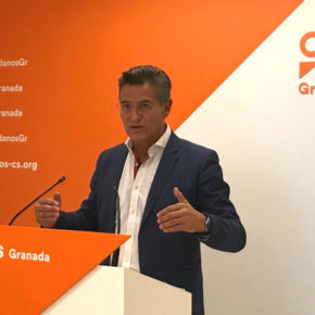 Luis Salvador valora el impacto positivo que tendrá para la Costa granadina el plan de ayudas de la Junta para los municipios afectados por el temporal de la semana pasada