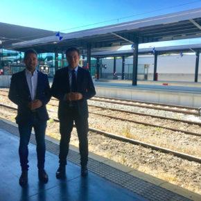 Luis Salvador aboga por buscar el máximo provecho al ferrocarril mediante una red de cercanías con Loja y Guadix y un Centro Logístico de Transporte de mercancías