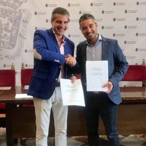 """Ciudadanos y PP presentan el acuerdo de gobierno 'Granada sale a competir', un programa con 80 medidas para """"ganar al futuro"""""""