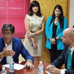 Juan Marín anuncia que los 71 municipios granadinos afectados por la gota fría recibirán las primeras ayudas esta semana